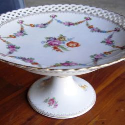 Porcelain compote